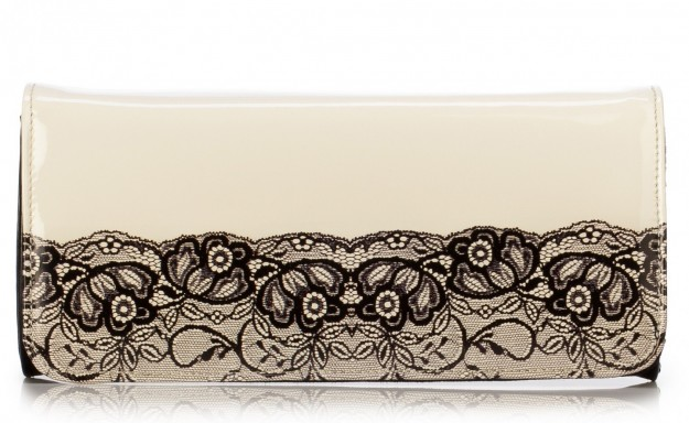 clutch-in-vernice-nera-con-stampa-pizzo