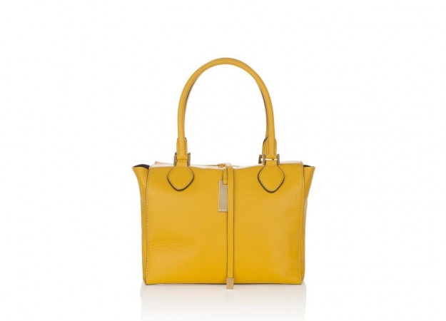 michael-kors-shopper-sun-miranda