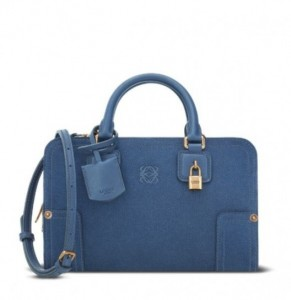 mini-amazona-in-denim-loewe