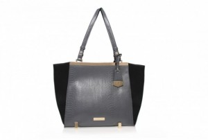 shopper-in-rettile-kurt-geiger