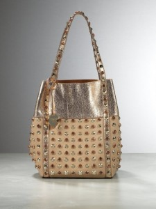 shopping-bag-avorio-e-oro-con-borchie