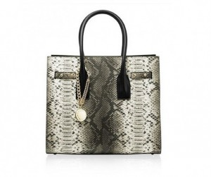 tote-russell-and-bromley-in-pitone