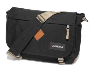 tracolla eastpak pelle