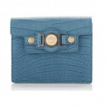 versace-clutch-in-alligatore-blu